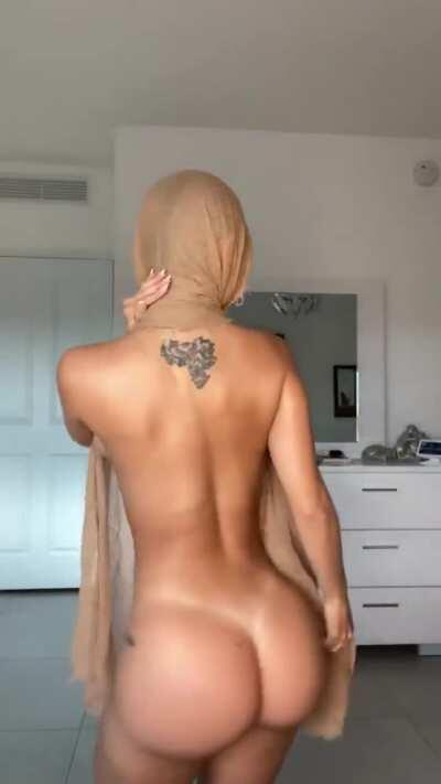 Arab hijab take here folder ( vid & pic ) for a limited time in comments
