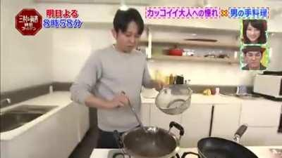40 y/o comedians sudden cooking test.
