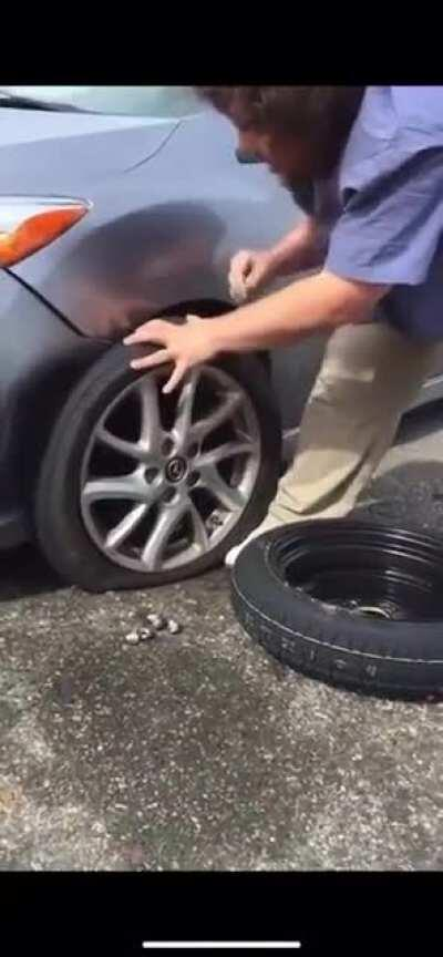 WCGW changing the tire without checking the jack