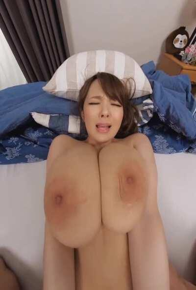 Very busty Hitomi