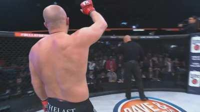 Fedor Emelianenko and Frank Mir decide they're not here for a long time but a good time in 50 seconds of Fury.