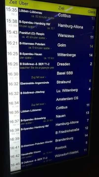 Berlin Hauptbahnhof heute um 16:30. Ich gehe glaube ich lieber zu Fuß...