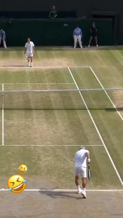 An entertaining yet full of skills friendly tennis match
