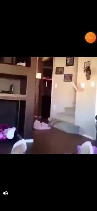 Round this on r/kidsareduckingstupid and cutted the end of the video and here it is...