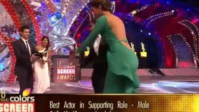 Deepika padukon bare backless