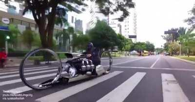 Hubless motorcycle with an airplane engine built by retired F1 driver.