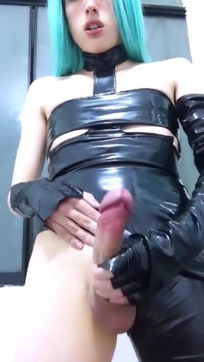 Luna Stone jerks off and cums (gif)