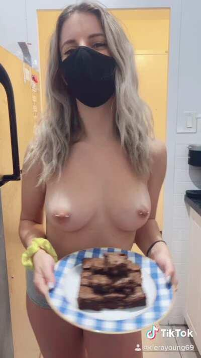 Who likes brownies? 🥰 OC