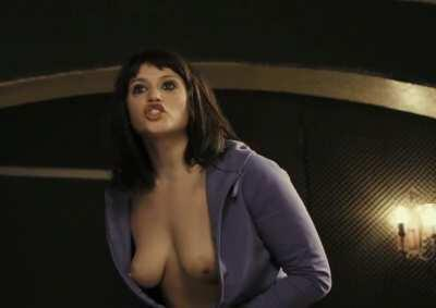 Gemma Arterton and her perfect boobs