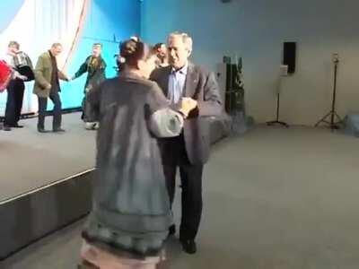 I think it explains the difference between плясать (В.В. Путин) and танцевать (G.W.Bush)