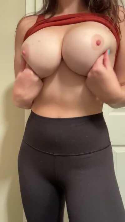 do you like the way they jiggle? ;) [OC]