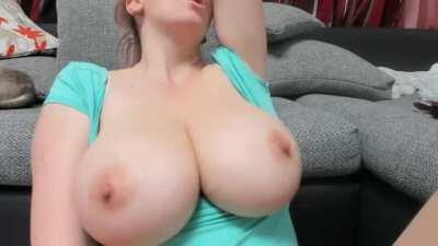 huge tits horny nips
