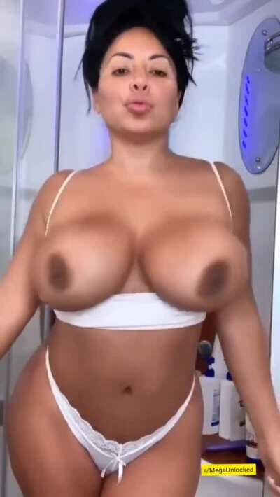my friends tell me that I have small boobs ☹️ is that correct??? get my MegaUnlocked now >> pastelink.net/1z09j