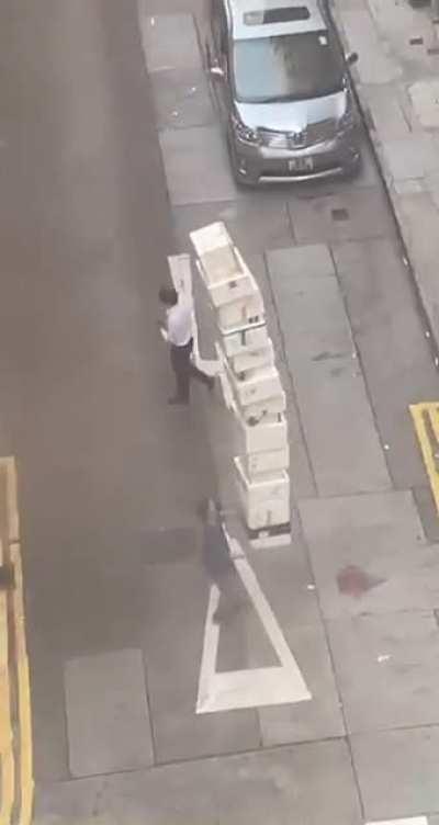 Hong Kong balancing boxes