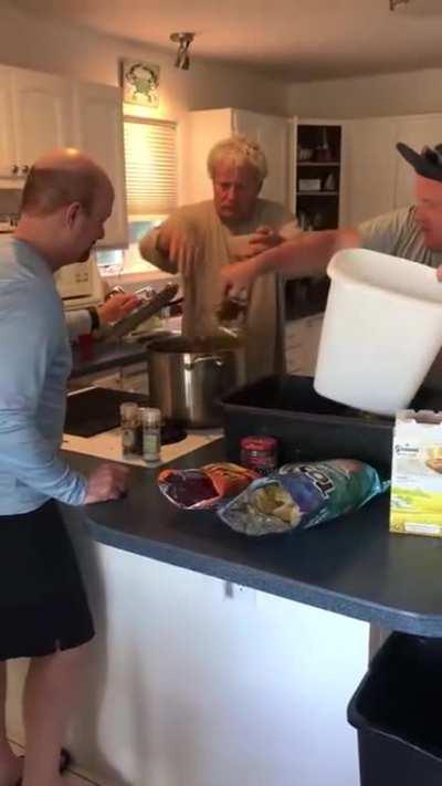 Seasoning crabs