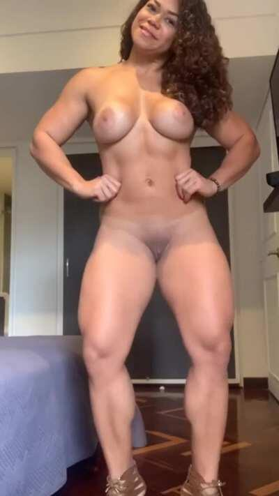 Latin gym hottie built to fuck