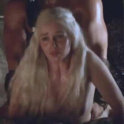 Emilia Clarke getting her cheeks clapped