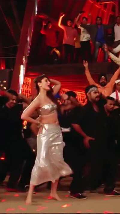 Kareena Kapoor - Mera Naam Mary Vertical Edit