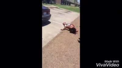 Man gets his head slammed on car in street fight