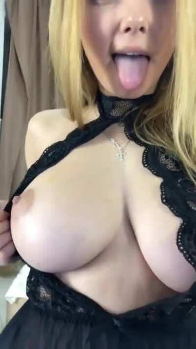 Sexy Lingerie - Sexier Reveal