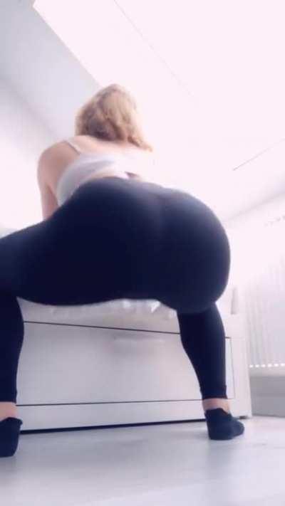 Do you like watching me squat?