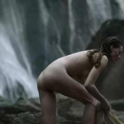 Alyssa Sutherland - Vikings