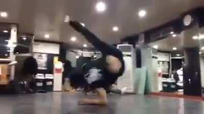 Just some normal breakdanci... what the hell did he just do!?