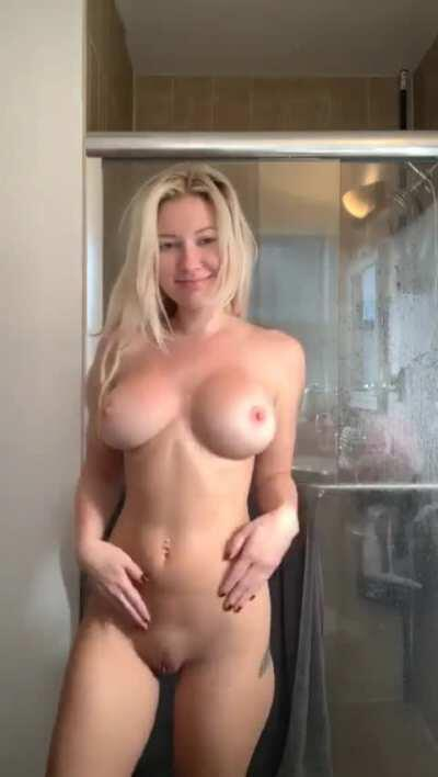 Gorgeous Blonde 😍 ( Her Free Content In Comment Below )