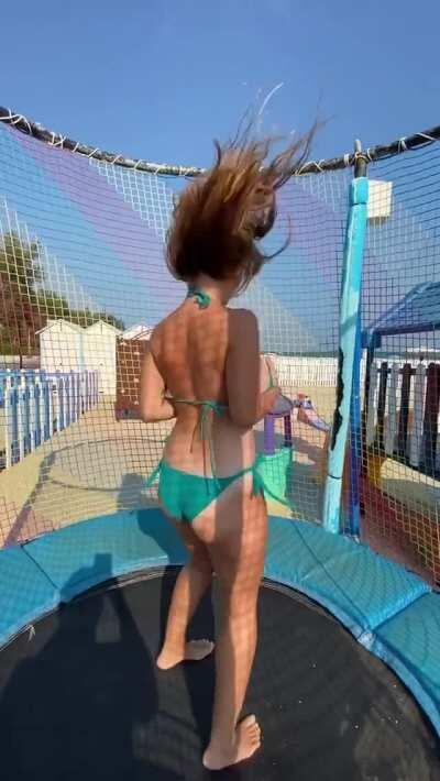 Girls on trampoline is HEAVEN