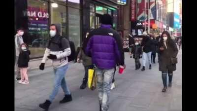 Woman meets the most confident drug dealer ever in NY