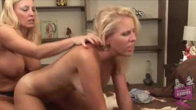 Cindy Craves And Kelly Kayne Strapon Action