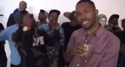 Wait, Frank Ocean can rap???????