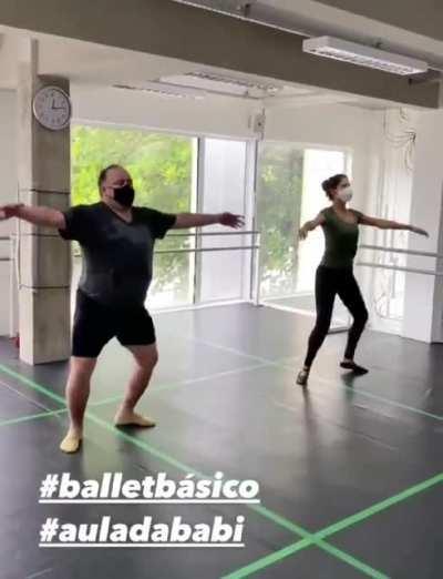 [Video] General Pazuello demonstra suas habilidades em ballet