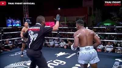 Securing his 57th win in a row today, Saenchai continues his monthly quest of putting on a Muay Thai master class.