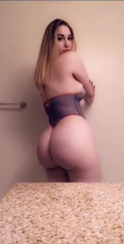 HER NEW CONTENT ASAP LINK IN COMMENT 💯