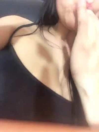 Teen Fingering Herself And Licks The Grool