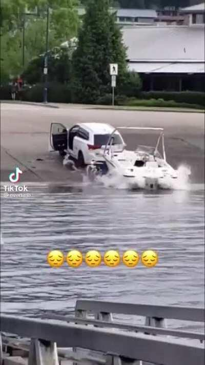 Boat launch fail almost gets a man seriously hurt