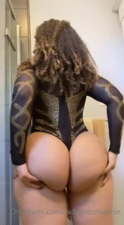 Her thick ass.. Who don't I have?