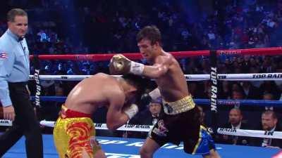 Extended combo from Lomachenko to drop his opponent