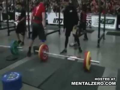 Crossfit Athlete drops 110kg on his spine and becomes paralyzed from the waist down