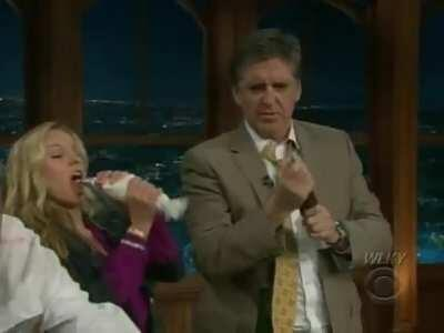 Kristen Bell taking a couple of loads in her mouth on Craig Ferguson