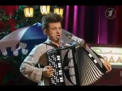Russian way of playing accordion