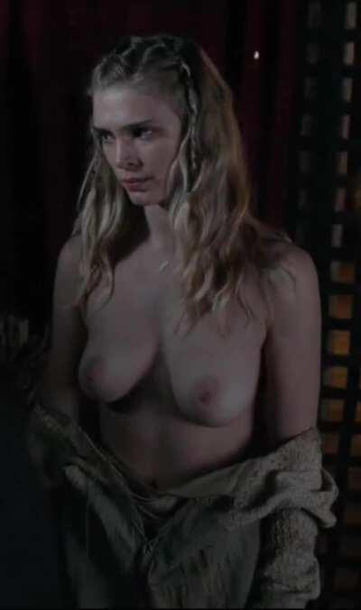 Gaia Weiss in Vikings