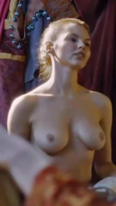 Eline Powell in Game of Thrones (CROPPED FOR MOBILE, BRIGHTENED, 3 MIC)