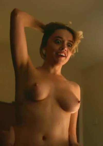 Aimee Lou Wood - Sweet Jiggle Plot in 'Sex Education' [cropped and brightened]