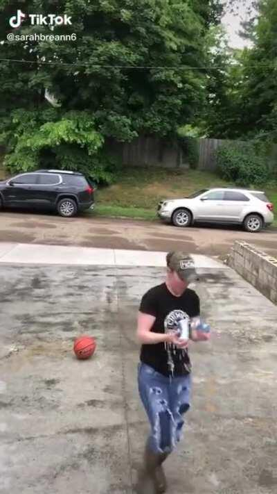 HMC while I pound these beers