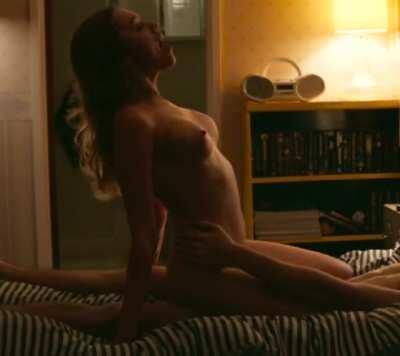 Aimee Lou Wood - Sex Education