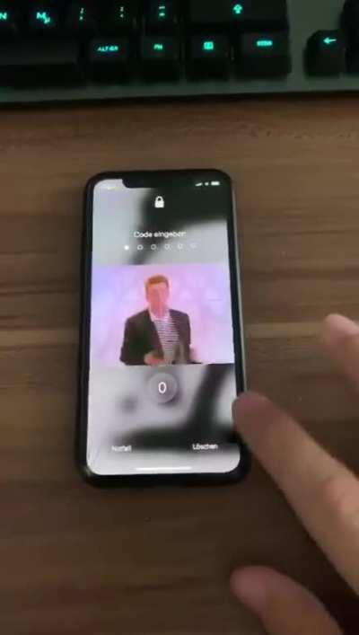 [Release] RRPass - Rick Roll anyone that tries to enter your phone