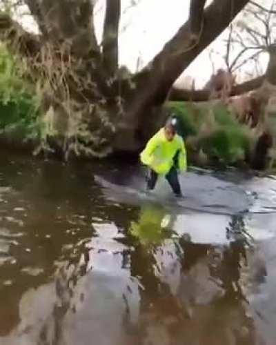 British Copper confronts fisherman