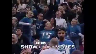 Minnesota supporter, who was kicked out of the stands for his dance 12 years ago, returns after 12 years and ends his unfinished job.